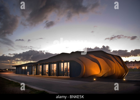 East Beach Cafe designed by Heatherwick Studio, Littlehampton, West Sussex, UK - Stock Photo