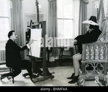 SALVADOR DALI  (1984-89) Spanish artist drawing Laurence Olivier as Richard III - Stock Photo