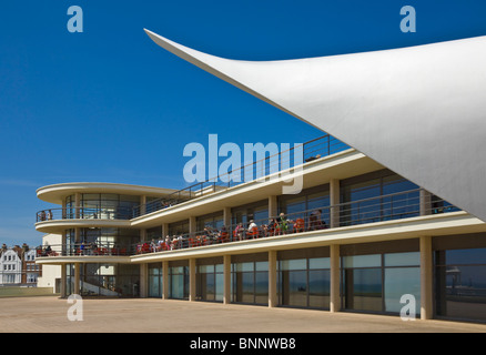 Outdoor stage at De La Warr Pavilion, Bexhill on Sea, East Sussex, England, UK, GB, EU, Europe