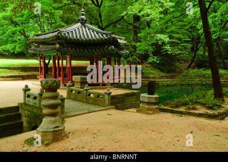 Jondeokjeong Pavilion at Changdeokgung Palace in Seoul, South Korea, Jongno-gu - Stock Photo