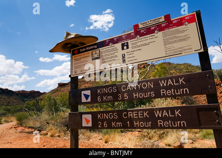 Start of the Kings Canyon walk. Watarrka (Kings Canyon) National Park, Northern Territory, AUSTRALIA. - Stock Photo