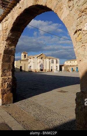 Marzamemi. Sicily. Italy. Chiesa di San Francesco di Paola nella Piazza Regina Margherita. - Stock Photo