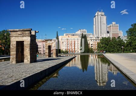 Temple of Debod, Parque del Oeste and Plaza de España, Madrid, Spain - Stock Photo