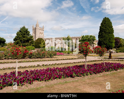 Parish Church Of St Mary 39 S From The Green Witney Oxfordshire Stock Photo Royalty Free Image
