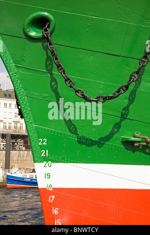 The bow of the Rickmer Rickers, the museum ship which stands at the Landungsbruecken in St Pauli, Hamburg, Germany. - Stock Photo