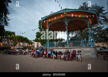 Waiting for the outdoor entertainment in Salies-de-Béarn, Pyrénées-Atlantiques, Aquitania, France - Stock Photo