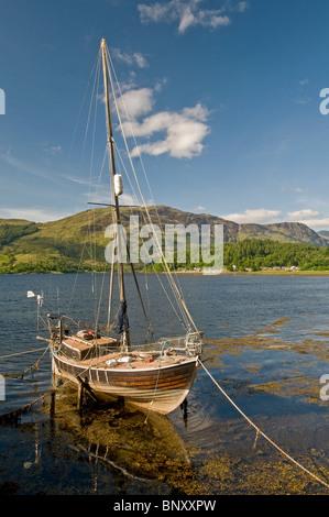 Yacht on Loch Leven, Ballachulish, Glencoe,  Inverness-shire, Highland Region. Scotland.  SCO 6219 - Stock Photo