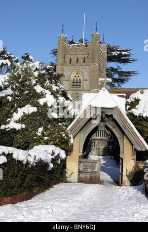 St Mary's Church, Hambleden village in the snow, Chiltern Hills, Buckinghamshire, England, UK - Stock Photo