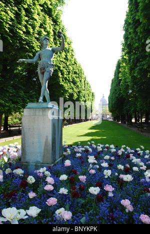 statue of l'acteur Grec in Jardin du Luxembourg Paris France - Stock Photo