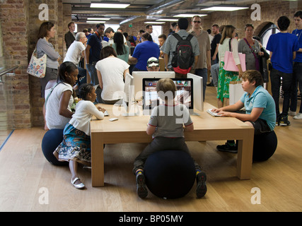 Apple Store - Covent Garden - London - Stock Photo