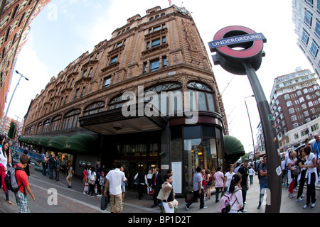 Harrods luxury department store, located on Brompton Road in Knightsbridge, London, England, United Kingdom. Photo:Jeff - Stock Photo