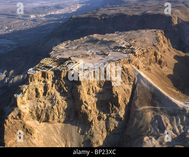MASSADA - LOCATED IN THE RUGGED EASTERN DESERT OF JUDEA,  NEAR THE DEAD SEA. KING HEROD FORTIFIED IT AND BUILT ON - Stock Photo