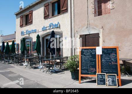 La Taverne du Port restaurant on the harbour front at Marseillan, Languedoc, France - Stock Photo