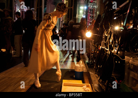 Ballet dancer with the Royal Ballet prepares to go on stage at the Bunka Kaikan hall, in Tokyo, Japan, Tuesday 29th - Stock Photo