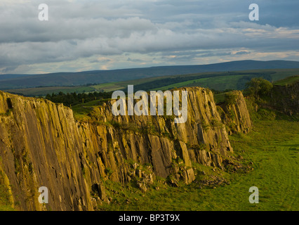 Walltown Crags on Hadrian's wall, near Greenhead, Cumbria, England UK - Stock Photo