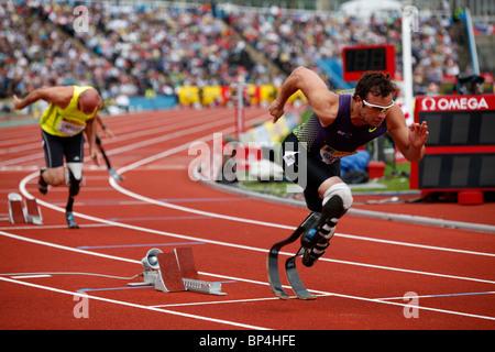 Oscar PISTORIUS breaking the 400m world record at Aviva London Grand Prix, Crystal Palace, London. - Stock Photo