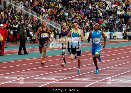 Conrad WILLIAMS & Robert TOBIN, 400m Heat B at Aviva London Grand Prix, Crystal Palace, London.  August 2010. - Stock Photo