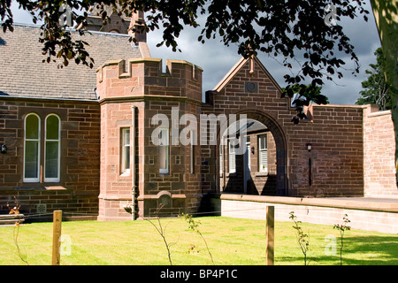 Side view of Clement Park House owned by Dundee`s Jute Baron James Cox in the 1800`s - Stock Photo