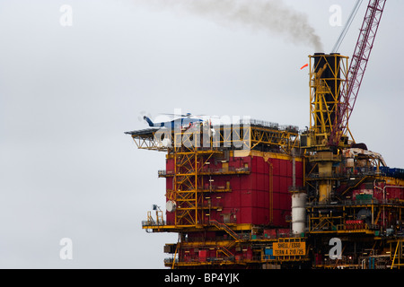 Bristows Sikorsky S 92 landing on Tern A platform north sea - Stock Photo