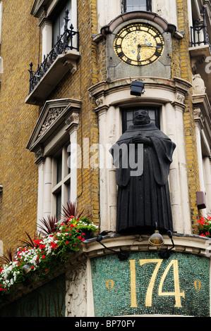 The Black Friar pub, Blackfriars, London, England, UK - Stock Photo