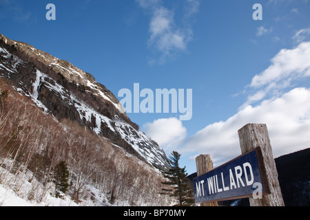 Crawford Notch State Park - Mount Willard during the winter months in the White Mountains, New Hampshire USA. - Stock Photo