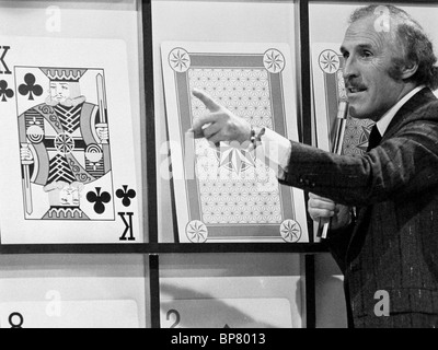 BRUCE FORSYTH PLAY YOUR CARDS RIGHT (1980) - Stock Photo