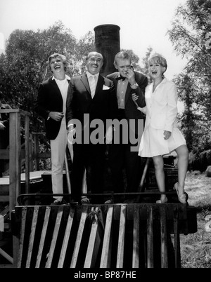 TOMMY STEELE, JACK L. WARNER, FRED ASTAIRE, PETULA CLARK, FINIAN'S RAINBOW, 1968 - Stock Photo