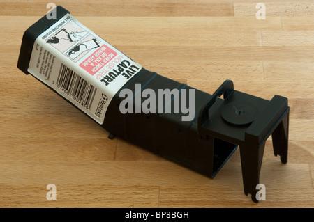 A humane mouse trap