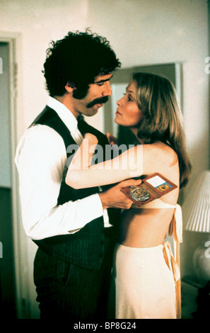 ELLIOTT GOULD, CORNELIA SHARPE, BUSTING, 1974 - Stock Photo