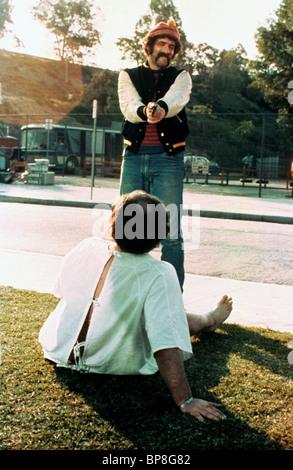 ELLIOTT GOULD BUSTING (1974) - Stock Photo