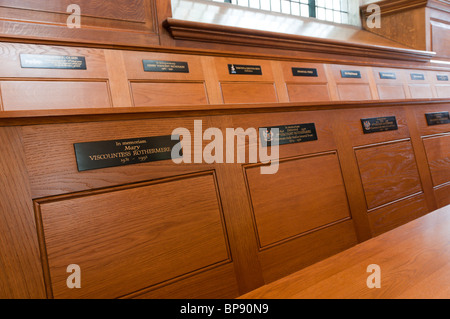 Seating in St Bride's Church, Fleet Street, London. - Stock Photo
