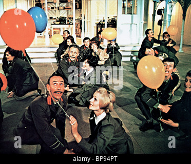 JOHN MILLS OH WHAT A LOVELY WAR (1969) - Stock Photo