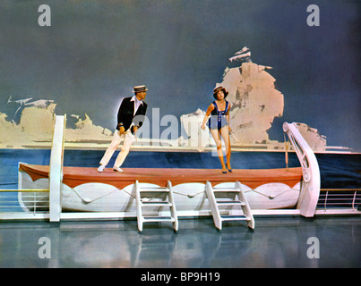 GENE KELLY & SHIRLEY MACLAINE WHAT A WAY TO GO (1964 Stock ... What A Way To Go Shirley Maclaine Gene Kelly