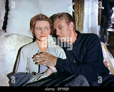 DOROTHY MCGUIRE, GARY COOPER, FRIENDLY PERSUASION, 1956 - Stock Photo