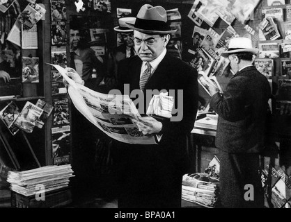 EDWARD G. ROBINSON THE WOMAN IN THE WINDOW (1944) - Stock Photo