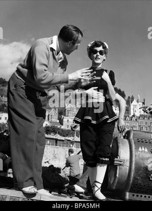 RONALD NEAME, PETULA CLARK, THE CARD, 1952 - Stock Photo