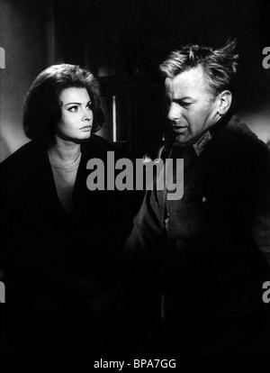 SOPHIA LOREN & MAXIMILIAN SCHELL THE CONDEMNED OF ALTONA; LES SÉQUESTRÉS D'ALTONA; I SEQUESTRATI DI ALTONA (1962) - Stock Photo
