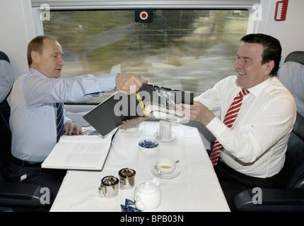 Putin, Schroeder continue talks on way to Schleswig - Stock Photo