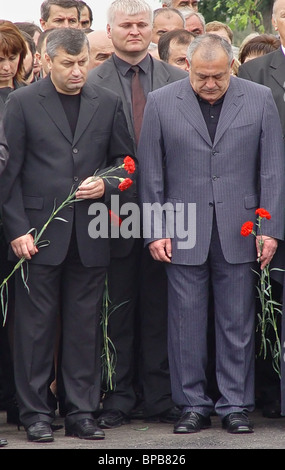 Mourning ceremonies at Beslan's School Number One - Stock Photo