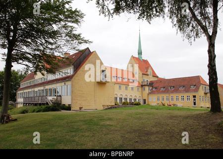 scool building of the adult educatiuon centre Snoghoj IT-Folkehojscoles in Fredericia, Denmark - Stock Photo
