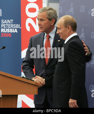 Russian and U.S. Presidents Vladimir Putin and George Bush meet prior to G8 Summit - Stock Photo