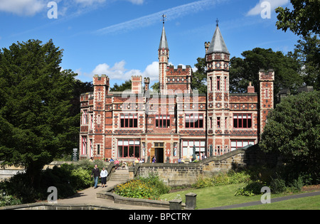 Saltwell Towers, the visitor centre within Saltwell Park in Gateshead, Tyne and Wear, England, UK. - Stock Photo