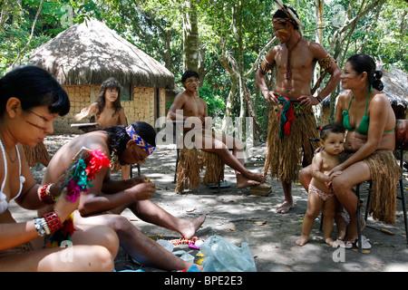 Pataxo Indian people at the Reserva Indigena da Jaqueira near Porto Seguro, Bahia, Brazil. - Stock Photo
