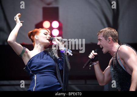 Greenpeace at Glastonbury 2010. Jake Shears and Ana Matronic of the Scissor Sisters, Pyramid Stage. - Stock Photo