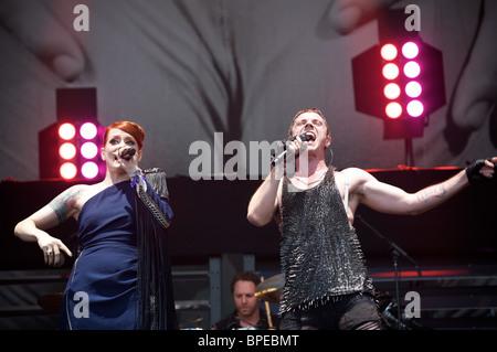 Greenpeace at Glastonbury 2010. Jake Shears and Ana Matronic of the Scissor Sisters, Pyramid Stage. - Stock Photo
