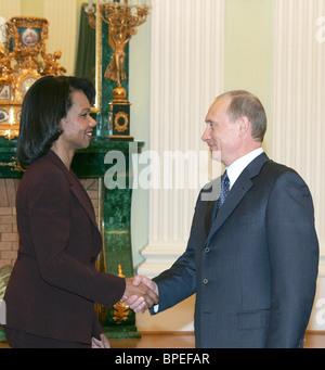 Vladimir Putin meets with senior US officials - Stock Photo