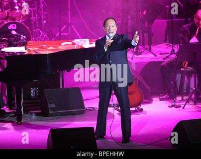 Ottawa-born singer Paul Anka performs in Moscow - Stock Photo