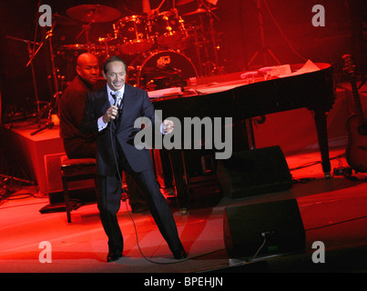 Ottawa-born singer Paul Anka performs in Moscow - Stock Photo