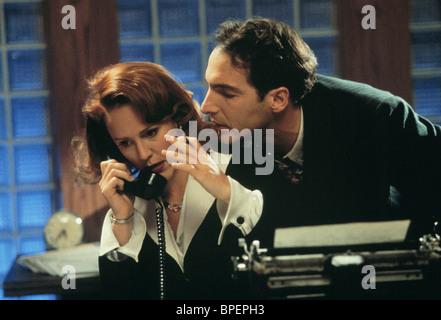 MARY STUART MASTERSON & BRIAN BENBEN RADIOLAND MURDERS (1994) - Stock Photo