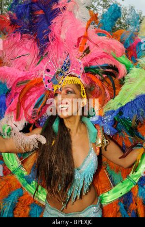 Brazilian Samba dancer. Sonia de Oliveira from Amasonia Samba School, Carnival of Cultures in Berlin, Germany, Europe. - Stock Photo